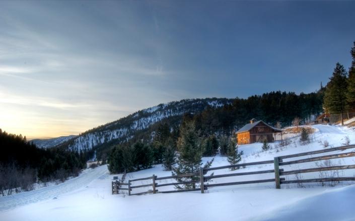 Winter Barn (small)